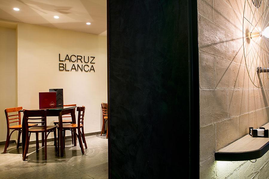 Salón interior de Restaurante la cruz blanca